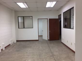 Alquiler oficina Belén La Asunción a $14 por m2 (O-724)