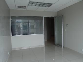 Alquiler oficina Santa Ana 125m2 a $3.296 oficentro (O-668)