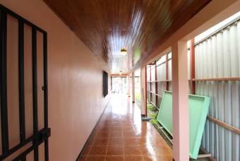 TERRAQUEA Hermosa Casa Espaciosa a EXCELENTE PRECIO! Con un Apartamento