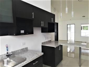 se vende espacioso y moderno apartamento en pozos de Santa Ana 19-1660