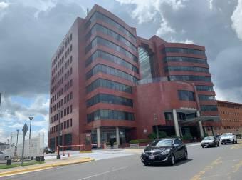 Alquiler oficina Escazú 151m2 a $4.008 (O-657)