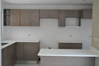 Se vende Casa de 3 hbitaciones en Curridabat
