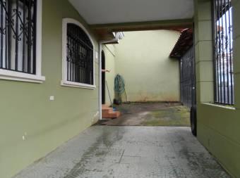 No pierda la oportunidad de vivir en esta hermosa casa en Moravia. cg 19-1575