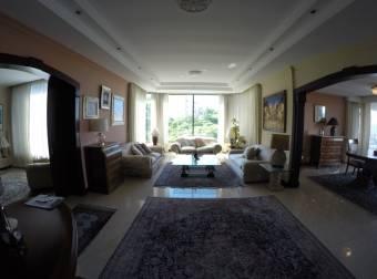 Se Alquila Penthouse En Escazu Amueblado