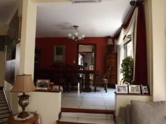 Alquiler de  preciosa y amplia  casa  Escazú  Centro  MT 19-679
