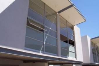 Se vende amplio oapartamento y lujoso en Santa Ana de 180 m2 y 3 habitaciones  17-302