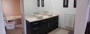 Hermosa Casa en Venta en Pinares 4 Habitaciones, 355 mt2  20-326