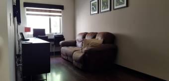 Viva en el Este de San Jose en exclusivo condominio RAH 191192