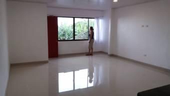 Apartamento grande en Heredia