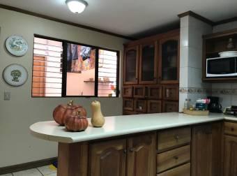 TERRAQUEA OPORTUNIDAD Amplia Casa en Condominio Guayabos