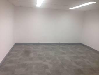 Alquiler Oficina Escazú 32m2 a $550 (O-053)