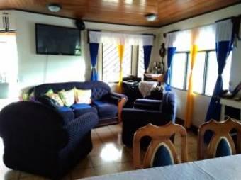 Bella Casa en Venta San Rafael de Heredia Una Planta, 2 Habitaciones, 210 mt2  19-1169