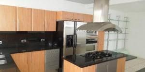 Bella Casa en Alquiler en Escazu, 3 Habaitaciones  LB  19-1352