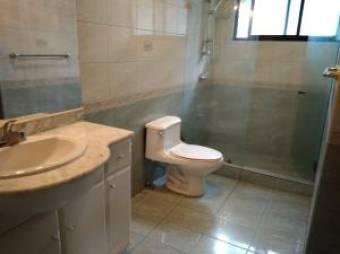 Bella Casa en Alquiler en Escazu, 5 Habaitaciones  LB  19-1442