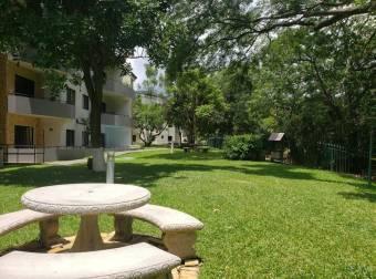Alquiler de Apartamento en Santa Ana. 21-372a
