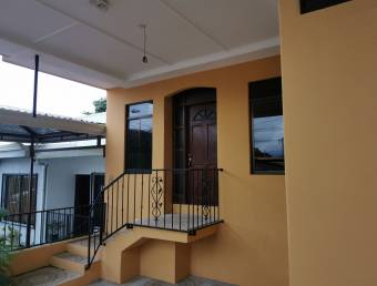 Casa en La Guácima de Alajuela