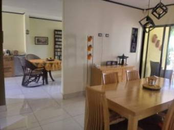 RAH OFC  #20-705 casa en venta en Goicoechea
