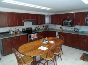 RAH OFC #20-1263 casa en venta en Tibas