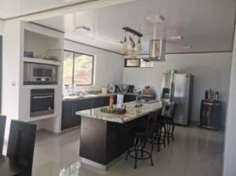 RAH OFC #21-67 casa en venta en Mora