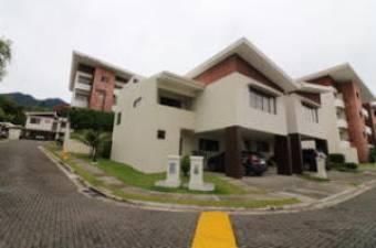 RAH OFC #20-38 casa en venta en Escazu