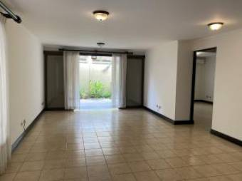 RAH OFC  #21-62 casa en venta en Santa Ana