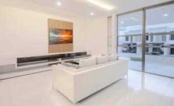 RAH OFC #20-205 casa en venta en Escazu