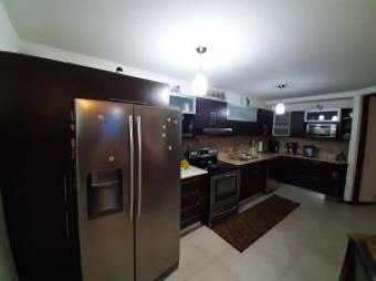 RAH OFC #20-1461 casa en venta en San Jose