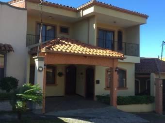 RAH OFC #21-395 casa en venta en San Francisco de Heredia