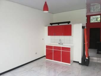 RAH OFC #21-430 casa en alquiler en Sabana