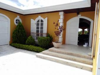 CG-20-1743. Preciosa Casa en SanRafaelEscazu.  En Venta