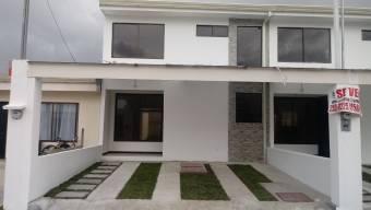 Casa de 2 plantas totalmente en block