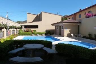 Venta de Casa en Pozos, Santa Ana. 21-62a