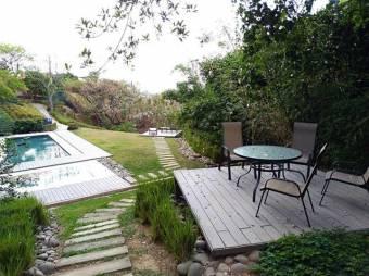 Venta de Apartamento en Brasil de Santa Ana. 20-242a