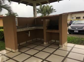 Venta de Casa en Concasa. Alajuela. 20-1615a