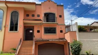 RAH OFC #21-130 casa en venta en Escazu