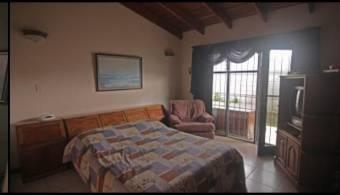 Venta de amplia y bella casa en San Pedo, Montes de Oca. #20-1553
