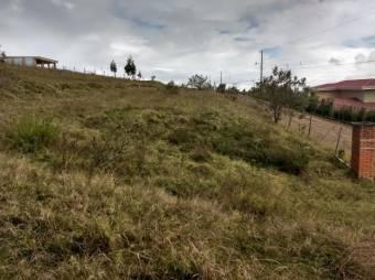 Venta de amplio terreno de 5389m2 en Quircot, Cartago. #21-274