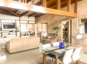 Venta de casa de una planta en Montes de Oca, San Rafael