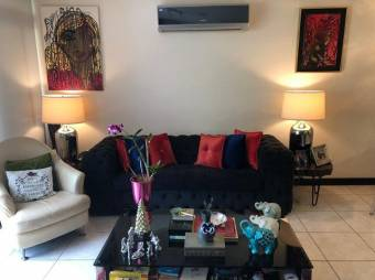 Venta de Apartamento en Santa Ana. 20-529a