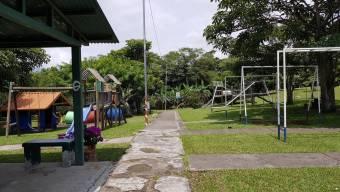Venta de Casa en Guachipelín, Escazú. 20-436a