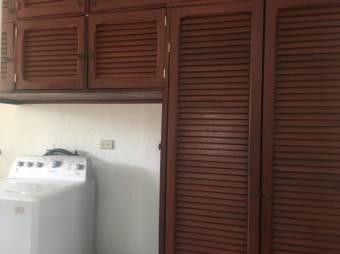 Alquiler de Apartamento en Escazú. 20-1437a