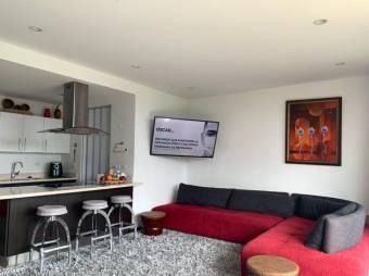 Alquiler de Apartamento en Escazú Centro. 21-407a