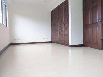 Alquiler de Apartamento en Escazú. 20-2167a
