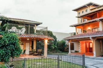 RAH OFC #21-419 casa en venta en Pinares
