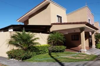 RAH OFC #21-62 casa en venta en Pozos