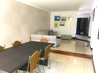 Vendo Preciosa Casa en Condominio, Trejos Montealegre, Escazú!