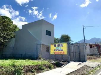 Se vende casa nueva en Jaboncillos de Escazú muy cerca del centro!