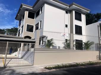 Apartment in Santa Ana. Second Floor. AP- 257