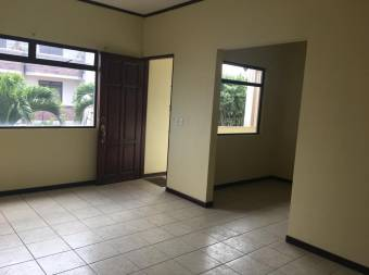 TERRAQUEA Apartamento en alquiler en Sabana Sur, Precio de Oportunidad