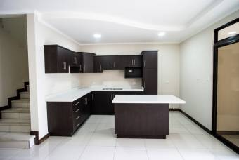 TERRAQUEA Hermosa Casa a Estrenar en Residencial privado en Curridabat